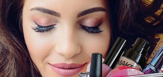 Novobia Make-Up